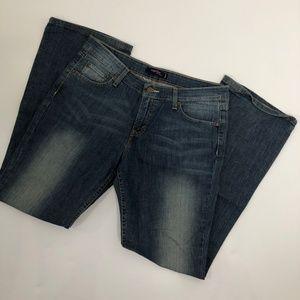Womens Super low  518 Levi Jeans Size 13